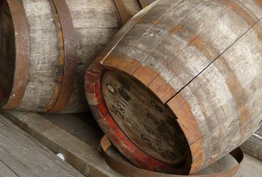 varelia-wine-vaimakis-370x250.jpg