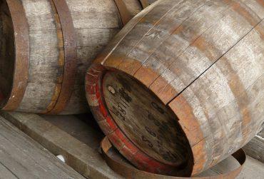 varelia-wine-vaimakis-370x251.jpg