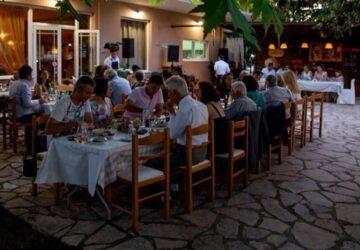 taverna-margaritis-garidiki-360x250.jpg